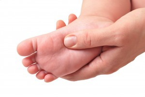 Baby foot massage (dreamstime_13058771)